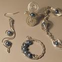 Elegáns Kék, Ékszer, Ékszerszett, Ékszerkészítés, A szett ezüsttel futtatott réz és tekla gyöngy felhasználásával készült. A gyűrű állítható. A karkö..., Meska
