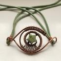Zöld bőrszíjas karkötő, Ékszer, óra, Karkötő, Antikolt vörösréz drótból zöld színű, csillag formájú bizsuból és bőrszíjból készül..., Meska