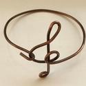 Violinkulcsos karkötő, Ékszer, óra, Karkötő, Antikolt vörösréz drótból készítettem. Kerülete: 20cm  , Meska