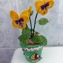 Árvácska gyöngyből, Dekoráció, Dísz, Gyöngyfűzés, Egy árvácska virágot készítettem, ami aprólékos munkával készült, egyedi terv alapján. Éppen virágz..., Meska