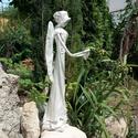 Angyal, Mindenmás, Vallási tárgyak, Szobrászat, Újrahasznosított alapanyagból készült termékek, Paverpol technikával készült, fa alapzaton álló angyal szobor, melyet gyöngyházzal festettem le. 43..., Meska