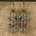 Lila és kék színű cseh üveggyöngyös fülbevaló antik bronz szereléken, Ékszer, Fülbevaló, A fülbevaló készítéséhez csiszolt cseh üveggyöngyöket használtam kék és lila-kék átmen..., Meska