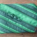 tárca  zöld átlós cipzárspirálból, Táska, Pénztárca, tok, tárca, ZipTárcák (kb. 15x10cm)  Ezek a tárcák bár csak egyetlen rekeszből állnak, jól használható..., Meska