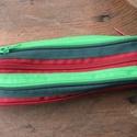tolltartó  bordó zöld fekvő cipzárspirálból, Táska, Pénztárca, tok, tárca, Varrás, Tolltartó (kb. 21x7cm)  Ezek a tolltartók egyediek, praktikusak és szépek. Nincs többé unalom a tan..., Meska