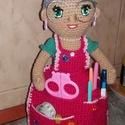 Horgolt nagyi, Baba-mama-gyerek, Otthon, lakberendezés, Anyák napja, Aranyos horgolt nagyi eladó tartozékok nélkül. Köténye tárolóként alkalmazható. Szeme hím..., Meska