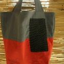 Piros-szürke lenvászon táska, Táska, Válltáska, oldaltáska, Varrás, Újrahasznosított alapanyagból készült termékek, Piros és szürke lenvászonból , vastag, puha közbéléssel készült ez táska, melyet vállon és kézben i..., Meska