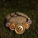 """""""Gombos"""" nyaklánc, Ékszer, Nyaklánc, Különleges nyaklánc """"gombokból"""".  A gombok süthető gyurmából készültek arany, ezüst és bronz színezé..., Meska"""