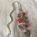 Szerelem könyvjelző, Dekoráció, Dísz, Ékszerkészítés, Gyöngyfűzés, Szerelem könyvjelző,csupa szív,piros gyöngyökkel :) Kedves ajándék a kedvesnek ❤️  A hossza 11 cm., Meska