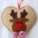 Vidám Rudolf drapp szívecskés karácsonyfadísz, Dekoráció, Ünnepi dekoráció, Karácsonyi, adventi apróságok, Karácsonyfadísz, Remélem, hamarosan mi is így örülhetünk majd a Mikulásnak, mint ez a vidám Rudolf rénszarvas..., Meska