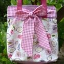 Masnis táska (tavaszi virágokkal), Táska, Válltáska, oldaltáska, Varrás, A tavasz jegyében készült ez a pink-fehér kockás masnis táska, melyet tört fehér alapon tavaszi vir..., Meska