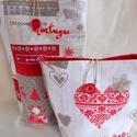 2 db-os textil ajándéktasak karácsonyra-mikulásra (piros-drapp), Dekoráció, Ünnepi dekoráció, Karácsonyi, adventi apróságok, Ajándékzsák, Varrás, Ajándékozáshoz ajánlom karácsonyra vagy mikulásra ezt a két darabból álló textil ajándéktasakot, me..., Meska