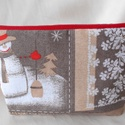 Skandináv stílusú, hóember mintás neszesszer (egyenes tetejű), Táska, Neszesszer, Varrás, Akár karácsonyi ajándék is lehet, ez a drapp alapon skandináv stílusú, hóember mintás bútorvászonbó..., Meska