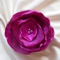 Organza-selyemvirág kitűző (Ciklámen lila), Ékszer, Bross, kitűző, Vibráló színek kedvelőinek ajánlom ezt a ciklámen lila dekor szaténból és pink színű  org..., Meska