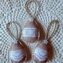 Jutavászon hatású, csipke mintás húsvéti tojás szett (3 db), Húsvéti díszek, Dekoráció, Dísz, Ezt a 3 db-ból álló jutavászon hatású, csipke mintás barkácsfilcből készült, vatelinnel b..., Meska