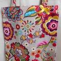 """""""Hippi"""" színes virágmintás bevásárló táska/szatyor , Táska, Divat & Szépség, Táska, Válltáska, oldaltáska, Szatyor, Színes egyéniségeknek ajánlom ezt a beige alapon színes virágmintás erős bútorvászonból készült 44 c..., Meska"""