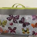 Táskarendező szürke-színes pillangós, Egy táskarendező segítségével rendezett lesz ...