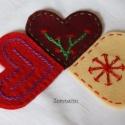 """Könyvjelző, Naptár, képeslap, album, Könyvjelző, Varrás, Filcből készítettem ezt a három szív alakú kézzel hímzett \""""míves\"""" kis könyvjelzőt. Aki igazán sze..., Meska"""