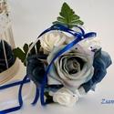 Vintage kék Dobócsokor, Esküvő, Esküvői csokor, Esküvői dekoráció, Hajdísz, ruhadísz, Selyemvirágból és hófehér habrózsából készült a kék árnyalatú dobócsokor. Selyemszalag..., Meska