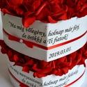 Szülőköszöntő garnitúra, Esküvő, Szerelmeseknek, Esküvői csokor, Meghívó, ültetőkártya, köszönőajándék, Egyedi szívhez szóló üzenetet kérhetsz a stílusos szív boxra szüleidnek. Gyönyörű örök vörös habrózs..., Meska