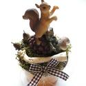 Őszi asztaldísz mókussal, Asztali kompozíciót készítettem, aminek az ala...