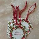 Karácsonyi ajándékkísérő, Dekoráció, Ünnepi dekoráció, Karácsonyi, adventi apróságok, Ajándékkísérő, képeslap, Kedves kis ajándékkísérők készültek az egyszerűség jegyében.  A csomag 6 db, 8 cm átmérőjű, design k..., Meska