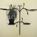 Kovácsoltvas virágtartó, Dekoráció, Otthon, lakberendezés, Kaspó, virágtartó, váza, korsó, cserép, A virágtartó kovácsolással készült. Magassága: 90 cm, szélessége:100 cm, Meska