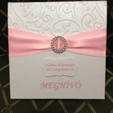 Esküvőre, alkalomra, köszönetajándék doboz, ültetőkártyával, Esküvő, Esküvői dekoráció, Meghívó, ültetőkártya, köszönőajándék, Egyedi csipkés meghívó. Krém színű ,papírból, mely aranyban irizál. A meghívót egy színb..., Meska