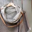 Táskává alakítható mellény, Ruha, divat, cipő, Női ruha, Kabát, Poncsó, Táskává alakítható kámzsanyakú mellény, enyhén rugalmas gyapjú alapú puha anyagból. A pántja bőr. Mo..., Meska