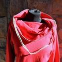 táskapulcsi, piros, Ruha, divat, cipő, Női ruha, Kabát, Raglán ujjú táskapulcsi, piros színben. A klasszikhoz képest testhezállóbb a felső részénél.   Táská..., Meska