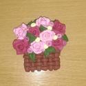 Rózsakosár hűtőmágnes , Konyhafelszerelés, Hűtőmágnes, Rózsakosár hűtőmágnes, süthető gyurmából készült. Mérete: kb 5,5 x 5,5 cm  Más színben..., Meska