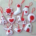 Pöttyös, piros-fehér filc karácsonyfadíszek 10 db, Dekoráció, Ünnepi dekoráció, Karácsonyi, adventi apróságok, Karácsonyfadísz, Varrás, Hímzés, Vidám, piros-fehér, pöttyös karácsonyfa díszek.  Szépen kidolgozott, aprólékos, minden öltése kézze..., Meska