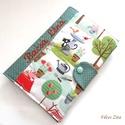 Cicák a kertben -  egészségügyi kiskönyv borító , Naptár, képeslap, album, Jegyzetfüzet, napló, Patenttal záródó eü. kiskönyv borító. Amerikai designer pamut anyagokból. A névfelirat gépi hímzésse..., Meska