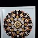 Életerő mandala, Dekoráció, Otthon, lakberendezés, Kép, Falikép, Üvegművészet, Üvegfestéssel 2-es üvegre festett mandala. Az üveg mérete 33x33 cm, a keret 2 cm szélet fehér faker..., Meska