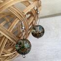 Bogyók a bogyóban, Ékszer, Fülbevaló, Gyantából készült gömb alakú fülbevalók, ezüst színű akasztón. A gömb kb 1 cm átmérő..., Meska