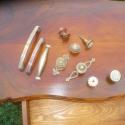 1 fiokos varró asztalka, Bútor, Dekoráció, Asztal, Dísz, Diófurnér terítékes, cabriol lábas, egy fiokos kisasztal.  Lap mérete: 35 x 60 cm, magasság: ..., Meska
