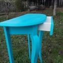 íveslapú konzolasztalka, Bútor, Dekoráció, Asztal, Tömör fenyőfából készült cabriollábas konzolasztal,  1 fiókkal, íves lappal, színezve. magasság: 90 ..., Meska