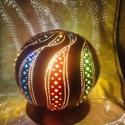 """""""Hullámzás (bordó)"""" - asztali töklámpa, Dekoráció, Otthon, lakberendezés, Lámpa, Hangulatlámpa, Festett tárgyak, Mindenmás, A termék alapanyaga Maliból származó lopótök. A lámpa elkészítése során a fúrás, festés, gyöngyözés..., Meska"""