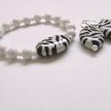 Vidám zebraság :), Ékszer, Karkötő, Fülbevaló, Ovális, zebra mintás akril gyöngy (26mm x 20mm) a fő alkotója ennek a karkötőnek + fülbevalónak. Kör..., Meska