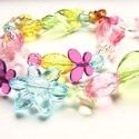 Csupa tavasz, Ékszer, Nyaklánc, Színes, nagy méretű (10mm-25mm) akril gyöngyökből készítettem ezt  a nyakláncot. Néhány kis pillangó..., Meska