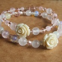 Csupa rózsa - krémfehér, Ékszer, Karkötő, Két bájos, romantikus karkötőt készítettem krém és rózsaszín gyöngyökből. Rózsakvarc, Jade és üveggy..., Meska
