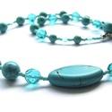 Vízvarázs, Ékszer, Nyaklánc, Türkiz színű gyöngyökből készítettem ezt a nyakláncot. Üveggyöngyökből és ásványgyöngyökből. Középen..., Meska