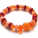 A narancshéj illata, Ékszer, Karkötő, Vagány, mutatós karkötőt készítettem narancs-piros üveggyöngyökből. Szinte érzetem a narancshéj illa..., Meska