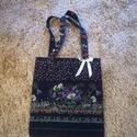 Virágmintás sötétkék vászon szatyor, Táska, Szatyor, Varrás, Vállon hordható sötétkék alapszínű, nyomott virágmintás vászonból készített szatyor romantikusoknak..., Meska