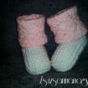 Rózsaszín-fehér egyedi baba cipő, Baba-mama-gyerek, Ruha, divat, cipő, Gyerekruha, Baba (0-1év), Fehér, csinos baba cipő, rózsaszín, romantikus csipke mintával a kihajtóján. Saját terv alapján kész..., Meska