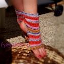 Egyedi kötött jóga zokni, Ruha, divat, cipő, Szépségápolás, Női ruha, Egészségmegőrzés, S-M méretű csinos női jóga zokni, norvég mintát utánzó narancs-mustár-lila-kék színben. Talpán bordá..., Meska