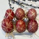 6 db piros hímes tojás, Hagyományos, viaszos technikával írt piros hím...