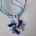 Kék mint a tenger -nyaklánc, Ékszer, Nyaklánc, Medál, Kék és fehér szuperduo ami a nyarat idézi., Meska