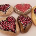 Festett kavics csomag szív, Szerelmeseknek, 5 darab egyedi, kézzel festett kavics, pöttyözős technikával. Akril festék felhasználásával..., Meska