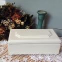 Romantikus stílusú elegáns ékszertartó doboz, Ezt a gyönyörű kis dobozkát pácoltam, fehérr...
