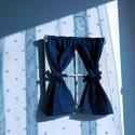 Kék pöttyös ablakocska, Baba-mama-gyerek, Dekoráció, Otthon, lakberendezés, Gyerekszoba, Koptatott, fehér ablakocska sötétkék alapon fehér tűpöttyös függönnyel.  Az ablakokat számomra készí..., Meska